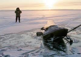 Водителям снегоходов советуют по реке Вологде ездить медленнее