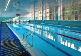 В бассейне на занятии утонул 10-летний мальчик